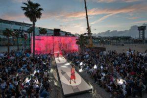 Design produccion catwalk pasarela moda campaign lanzamiento inaguracion evento fiesta KOA playa barcelona fura dels baus show