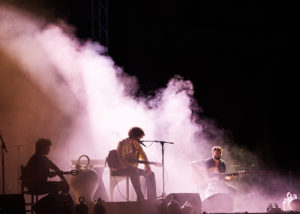 Diseño escenario concierto Guitarricadelafuente KOA diseño producción